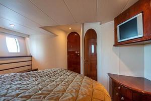 56' Neptunus  2007 Master Cabin