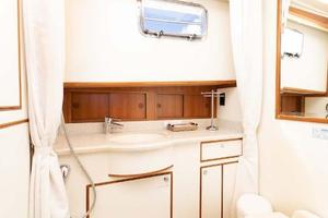 47' Grand Banks  2008 Starboard Head