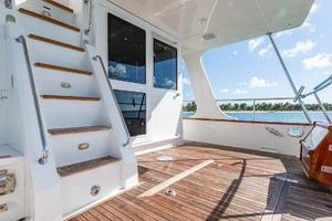 47' Grand Banks  2008 Aft Deck Stairs To Flybridge
