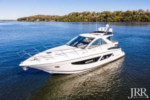 53' Regal 53 Sport Coupe 2017 Port Bow