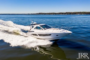 53' Regal 53 Sport Coupe 2017 StarboardBow