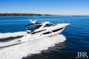 53' Regal 53 Sport Coupe 2017 Starboard Profile