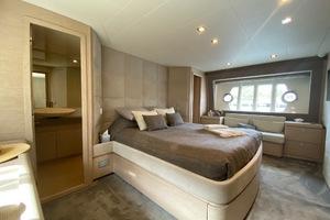 69' Ferretti Yachts 690 2013