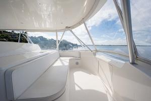 64' Viking Sportfish 2007 Flybridge Lounge Seating, Forward & Starboard w/ Storage