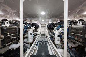 64' Viking Sportfish 2007 Twin CAT C32-A Diesels@ 1825 MHP (Rebuilt @ 270 Hours)
