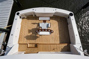 64' Viking Sportfish 2007 Aerial Cockpit View from Tower