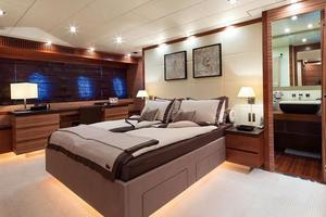 101' Arno Leopard 101 2006 Master Stateroom 1