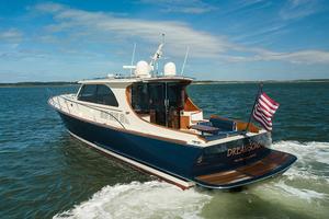 48' Hinckley Talaria 48 Motor Yacht 2013 Sternprofile