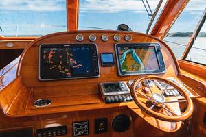48' Hinckley Talaria 48 Motor Yacht 2013 Helmstation
