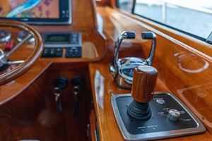 48' Hinckley Talaria 48 Motor Yacht 2013 Joystick