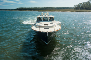 48' Hinckley Talaria 48 Motor Yacht 2013 Bowprofile