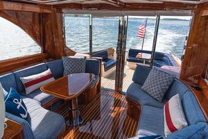 48' Hinckley Talaria 48 Motor Yacht 2013 Salon