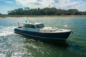 48' Hinckley Talaria 48 Motor Yacht 2013 STBDprofile