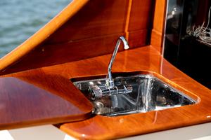 48' Hinckley Talaria 48 Motor Yacht 2013 Cockpitsink