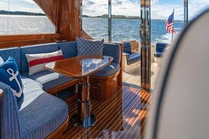 48' Hinckley Talaria 48 Motor Yacht 2013 STBDsalon