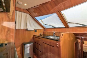 50' Ocean Alexander 500 Sports Sedan 1998 Galley Sink