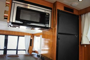 50' Ocean Alexander 500 Sports Sedan 1998 Galley Appliances