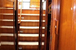 50' Ocean Alexander 500 Sports Sedan 1998 Passageway