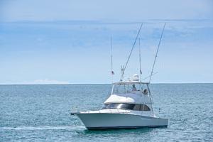 46' Viking 46 Convertible 2015 Port Bow