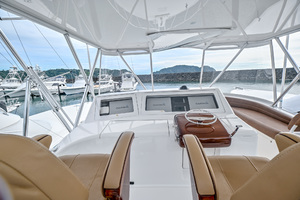46' Viking 46 Convertible 2015 Helm Station