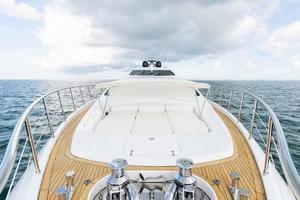 105' Mangusta  2011 Bow Sunpad And Shade 4