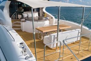 105' Numarine 32xp  2020 Aft Deck