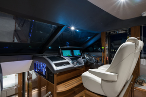 68' Princess 68 Flybridge Motor Yacht 2018 Lower Helm Station