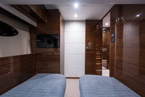 68' Princess 68 Flybridge Motor Yacht 2018 Guest Stateroom - Port