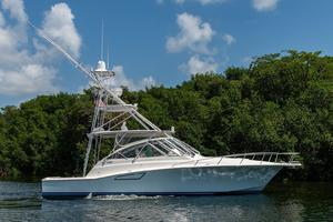 is a Cabo 44 Hardtop Express Yacht For Sale in Fort Lauderdale--1