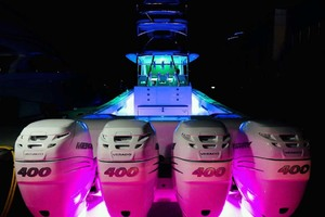 39' Front Runner 39 Center Console 2020 SternViewwithLEDLights