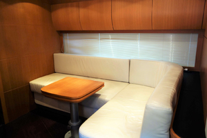 56' Pershing Performance Cruiser 2009 Seating