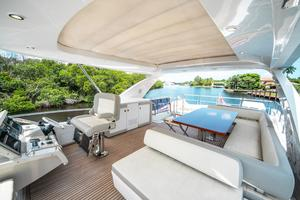 72' Azimut 72 Flybridge - Factory Owned 2016 FlybridgeHelm