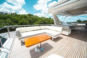 72' Azimut 72 Flybridge - Factory Owned 2016 FlybridgeSeating