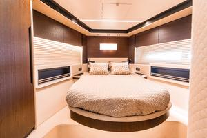 72' Azimut 72 Flybridge - Factory Owned 2016 VIPStateroom