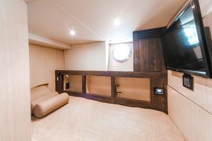 72' Azimut 72 Flybridge - Factory Owned 2016 Crew Cabin