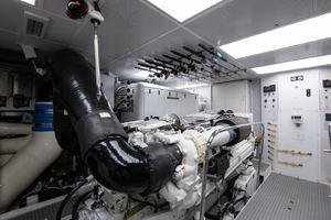 112' Westport Motoryacht 2010 Engine Room
