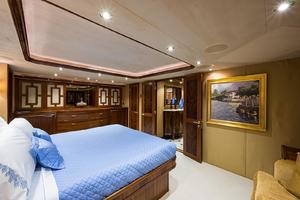 112' Westport Motoryacht 2010 Master Stateroom