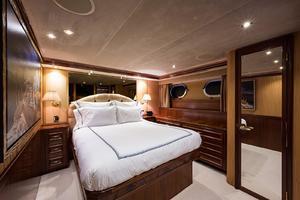 112' Westport Motoryacht 2010 Guest Stateroom/Port