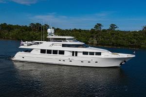 112' Westport Motoryacht 2010 Starboard Profile