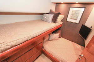 60' Viking 60 Convertible  2011 Guest Stateroom
