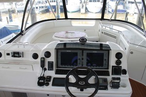 58' Sea Ray 58 Sedan Bridge 2008 Electronics