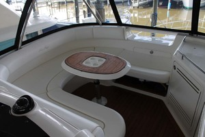 58' Sea Ray 58 Sedan Bridge 2008 Flybridge Forward Seating