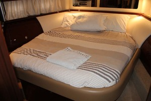 58' Sea Ray 58 Sedan Bridge 2008 VIP Stateroom