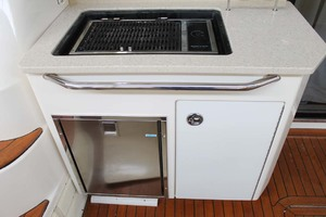 58' Sea Ray 58 Sedan Bridge 2008 Cockpit Stove