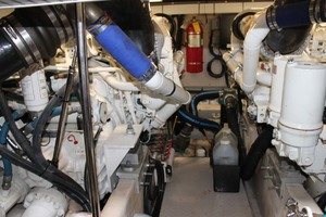 58' Sea Ray 58 Sedan Bridge 2008 Engine Room
