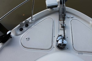 58' Sea Ray 58 Sedan Bridge 2008 Bow Windlass