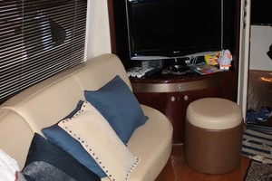 58' Sea Ray 58 Sedan Bridge 2008 Salon Seating