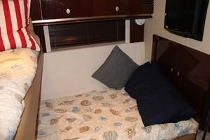 58' Sea Ray 58 Sedan Bridge 2008 Guest Stateroom