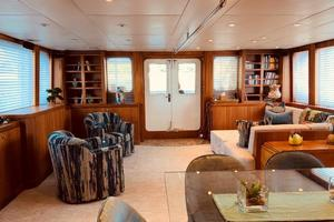 98' Inace Expedition 2006 Salon looking aft
