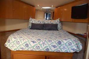 48' Ocean Yachts  2003 Forward double berth
